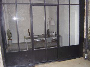 cloison en métal et verre style atelier