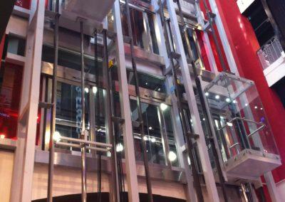 SURCOUF = triple pylône d'ascenseur