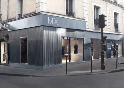 Façade de boutique en acier inoxydable dans le Marais à Paris