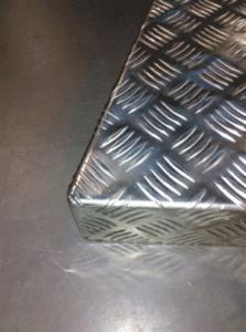 tole larmée en aluminium