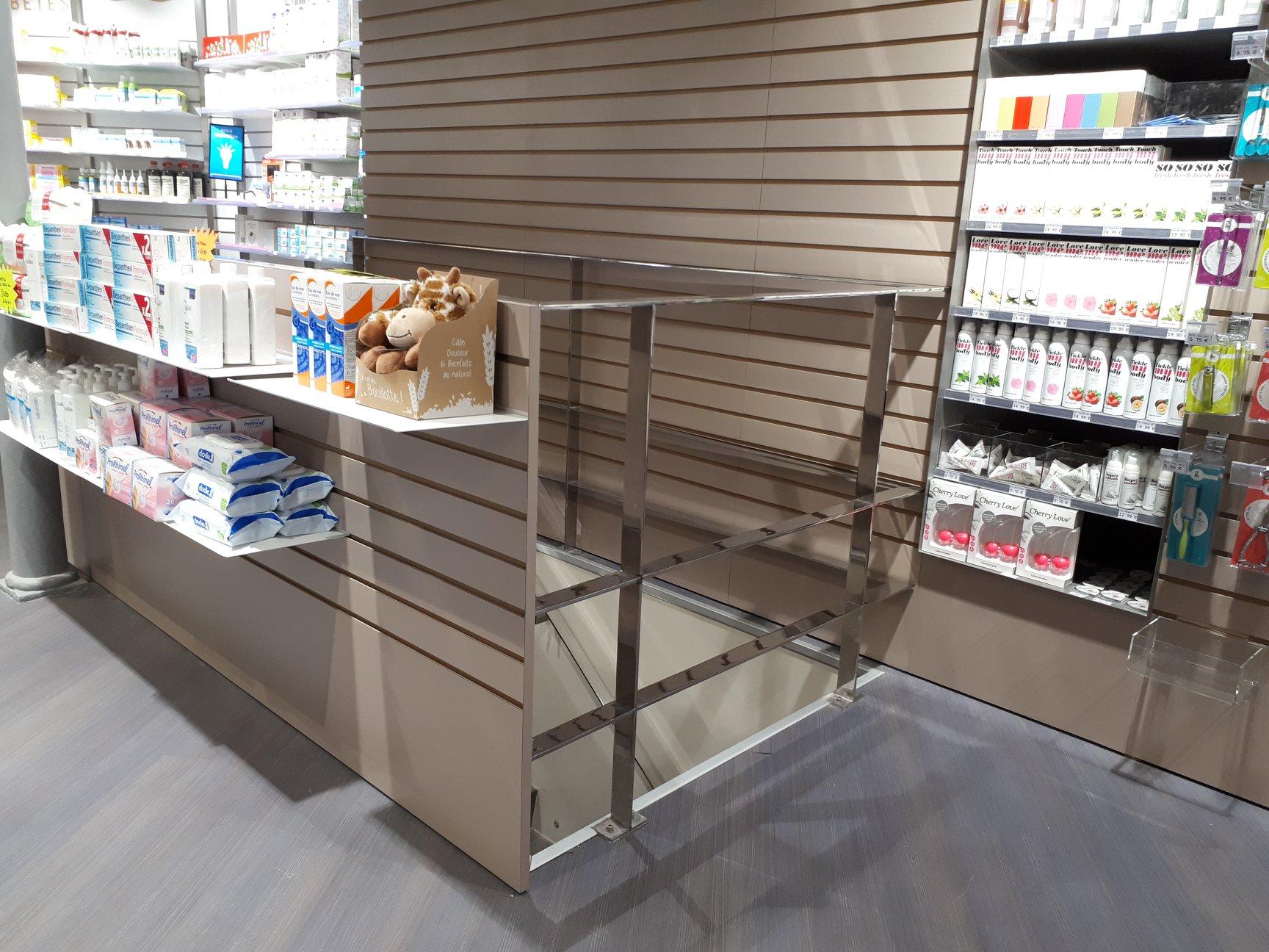 mobilier pharmacie inox