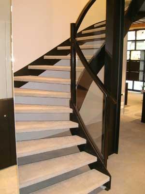 escalier en métal et bois avec limon à la française